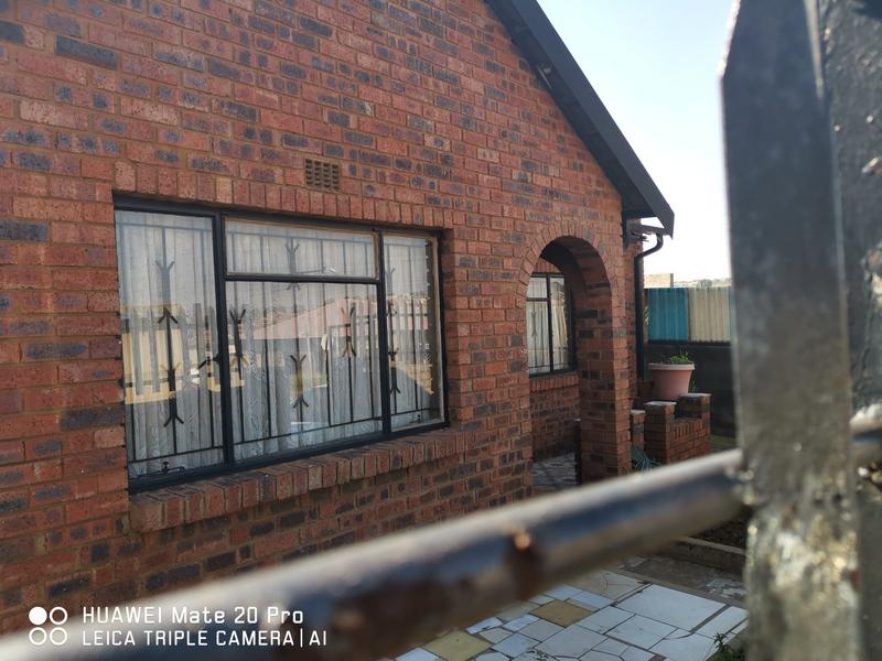 Property For Sale in Mofolo Central, Soweto 2