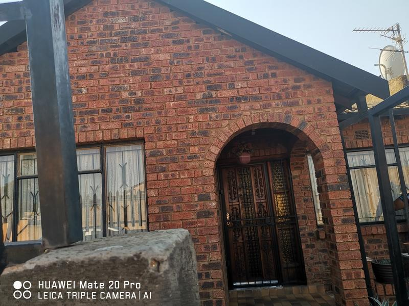 Property For Sale in Mofolo Central, Soweto 3