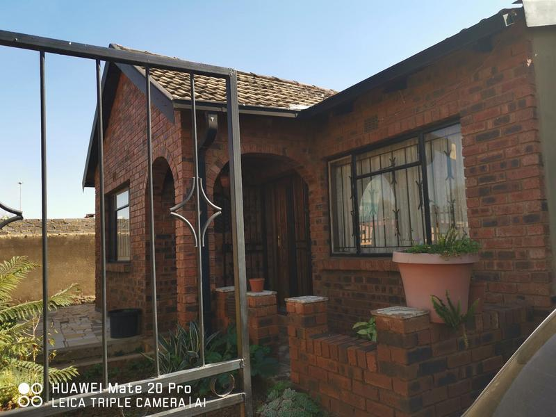 Property For Sale in Mofolo Central, Soweto 10