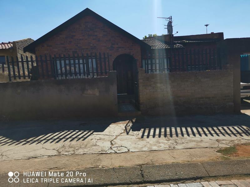 Property For Sale in Mofolo Central, Soweto 13